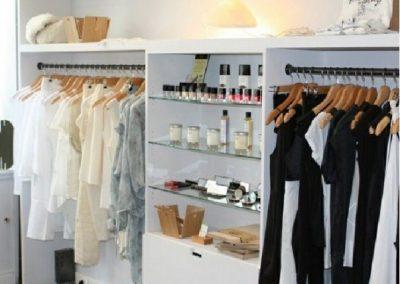 دکوراسیون مغازه کوچک لباس